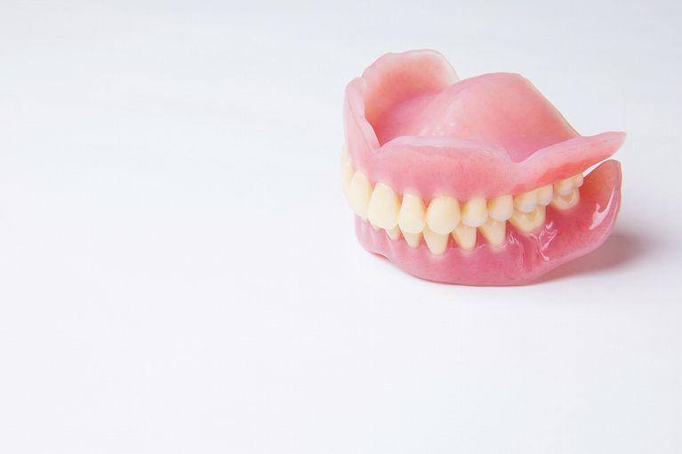 入れ歯で笑うために